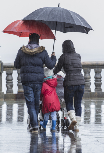 what is the wettest city in the uk holiday weather